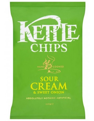 Kettle Chips sour cream and onion (ξινή κρέμα και κρεμμύδι) 150 g