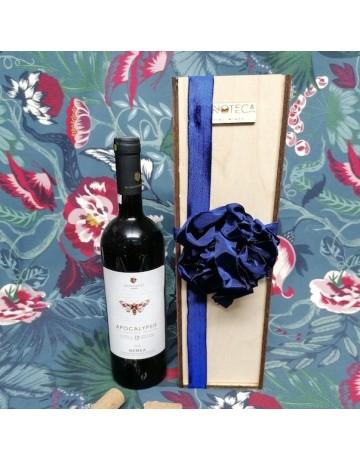 Σύνθεση δώρου 0253 | Ξυλοκιβώτιο κρασιού με 1 φιάλη Apocalypsis